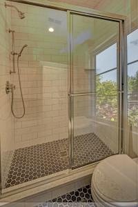 5004 Garfield Bathroom
