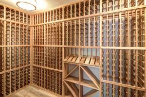 5004 Garfield Wine Room
