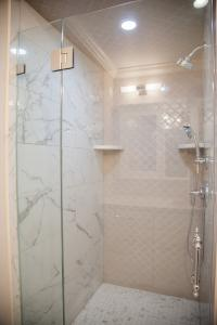 3620 Whitehaven Pkwy Bathroom